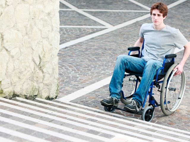 Acessibilidade no ambiente escolar: um direito dos alunos com mobilidade reduzida
